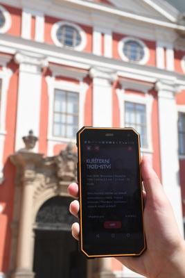Pátrací hra Skryté příběhy nově na Broumovsku
